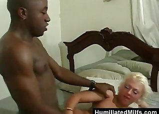 Black lover nicely sucked by a hot mature