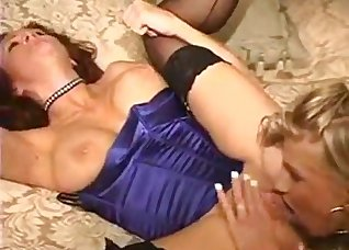 Blonde in a black corset likes good sex